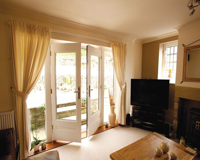 classic-french-doors-clear-glass-white-e1475071665133
